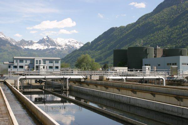 Qual é a qualidade da água no sistema de abastecimento?
