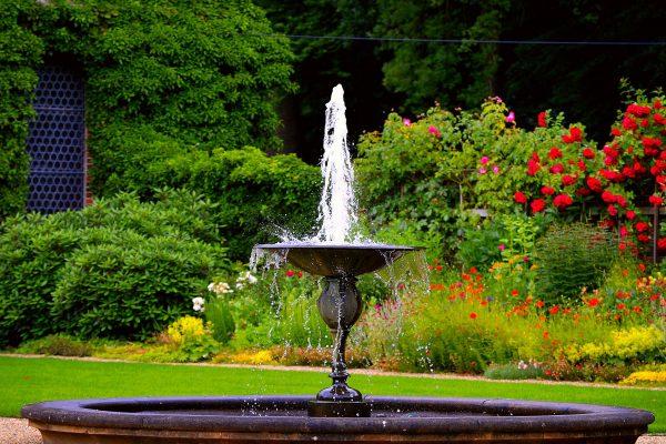 Como usar a água na decoração de ambientes